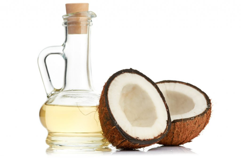 With Coconut Oil Moisturize Hair Naturally