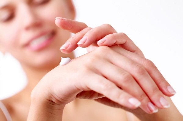 One Of The Simple Beauty Tips For Hands Is To Moisturize The Hands