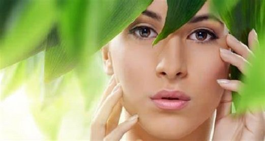 6 Must Have Beauty Products During Monsoon Season